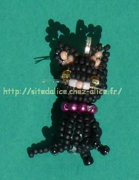 http://paysalice.free.fr//Albums/Perles/Divers/chat%20kit%20miyukilaeti.jpg