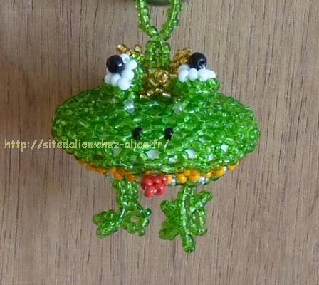 http://paysalice.free.fr//Albums/Perles/Tissage%20animaux/grenouille3%20els1006.jpg