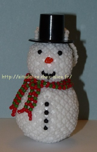 http://paysalice.free.fr//Albums/Perles/Tissage%20persos/bonhomme%20neige%20polly919.jpg