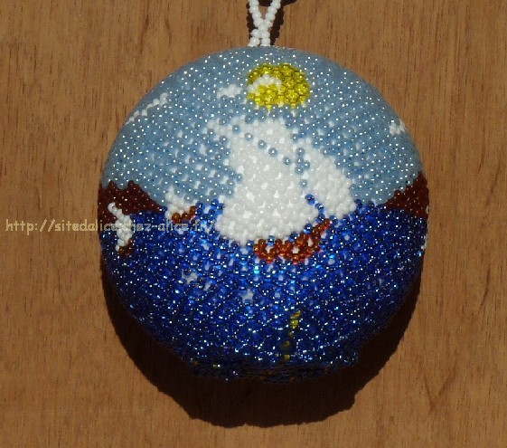 http://paysalice.free.fr//Albums/Perles/Tissage/boule%20voiliers1%20st9104.jpg