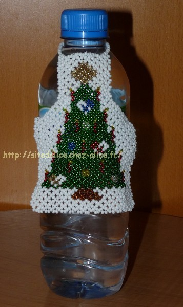 http://paysalice.free.fr//Albums/Perles/Tissage/tablier%20bouteille%20volvic.jpg