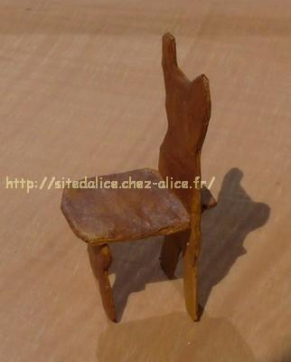 http://paysalice.free.fr//Albums/brico/chaise%20mini1.jpg