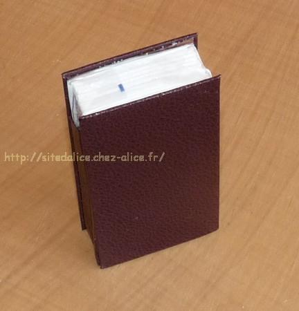 http://paysalice.free.fr//Albums/brico/etui%20mouchoir%20grand%20marron1.jpg