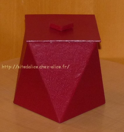 http://paysalice.free.fr//Albums/brico/pot%20tourne%20rouge2.jpg